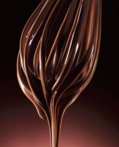 armin-zogbaum-melted-chocolate-running-from-a-whisk